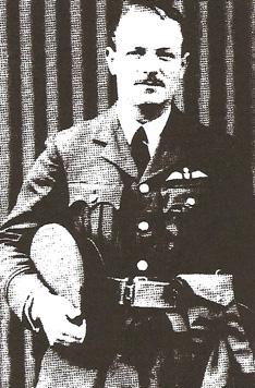 Robert Alexander Graville BAIRD pilot, sous-lieutenant, 33 ans. Issu de vieille noblesse anglaise, fils du Vicomte de Stonehaven.